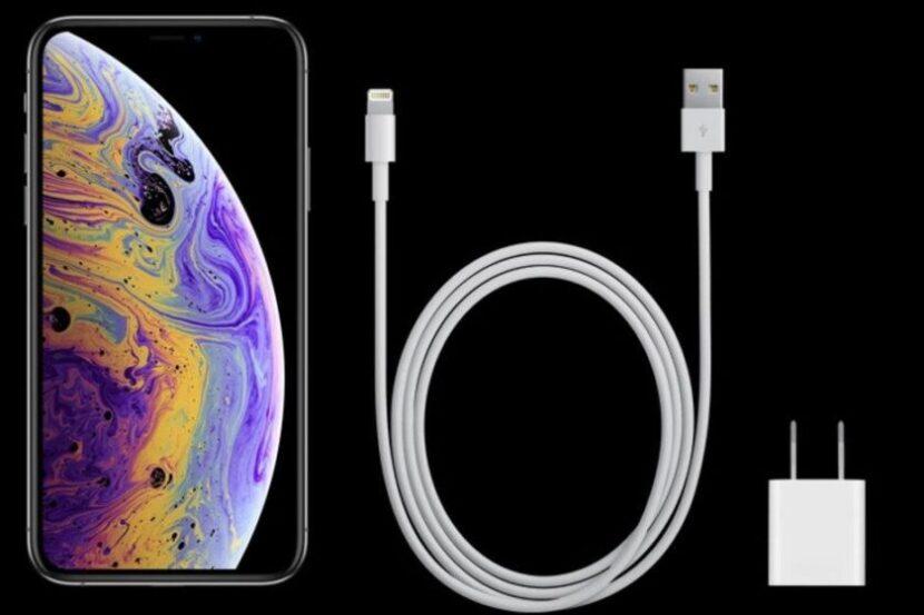 зарядка iPhone XS