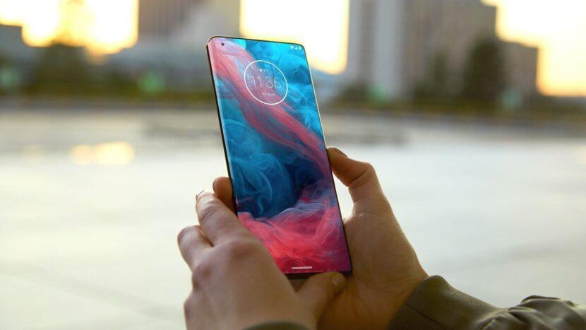 смартфон с цветным экраном