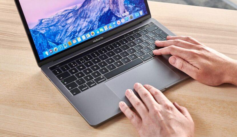 Работа с клавиатурой на MacBook Pro 2020