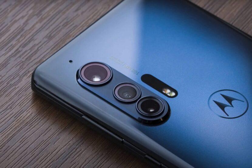 Синий смартфон