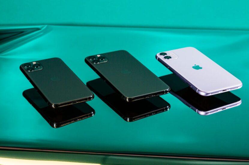 Черные и белый Iphone 12