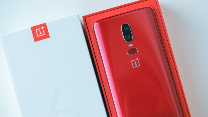 AndroidPIT-oneplus-6-box1
