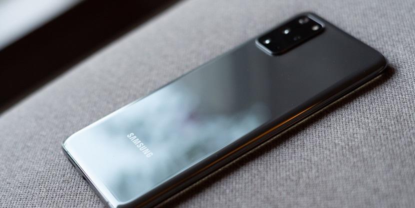 Черный Samsung Galaxy S20 Plus