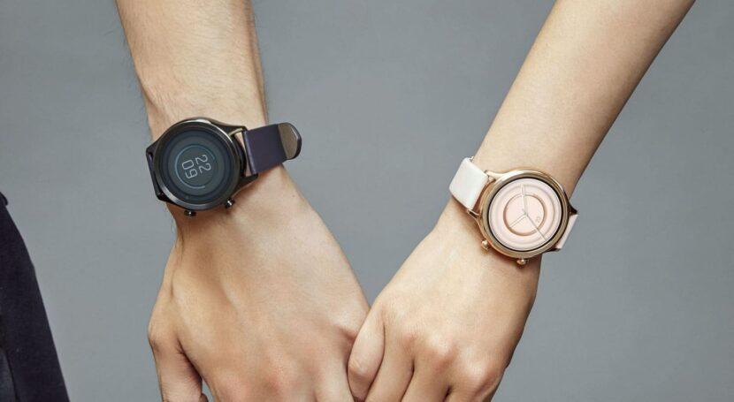 Умные часы Mobvoi TicWatch C2+ в двух цветах