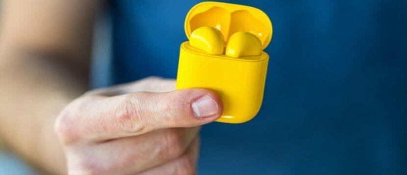 Наушники Realme Buds Air желтого цвета