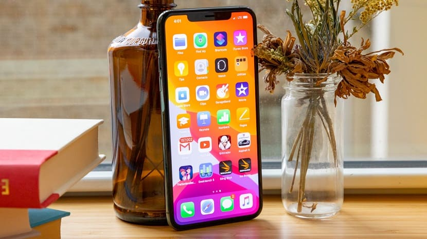 Экран Iphone 12
