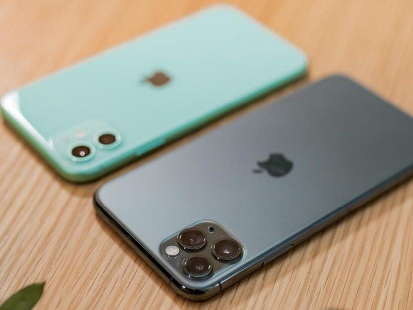 Черный и бирюзовый Iphone 12