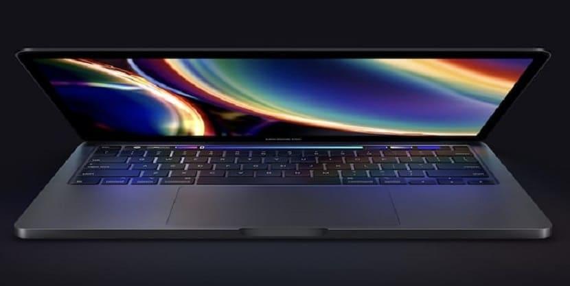 MacBook Pro 2020 в полусложенном состоянии