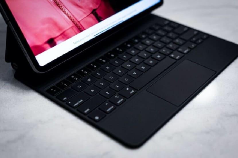 Клавиатура iPad Pro 2020