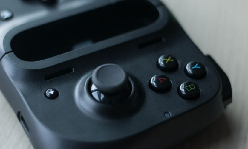 Кнопки на геймпаде Razer Kishi