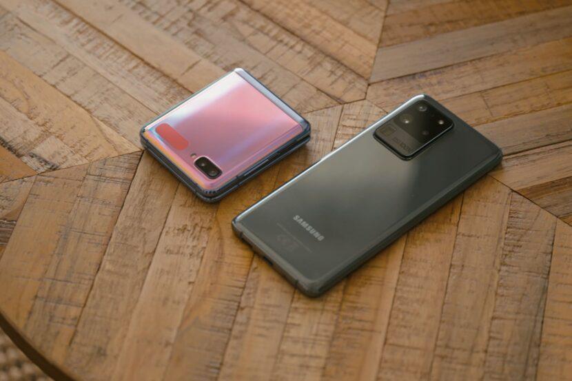 два вида смартфонов от компании самсунг
