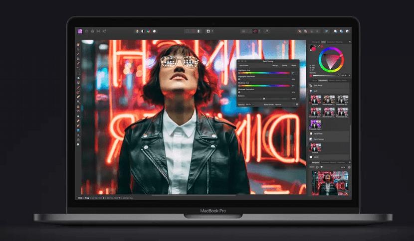 Работа с фоторедактором на MacBook Pro 2020