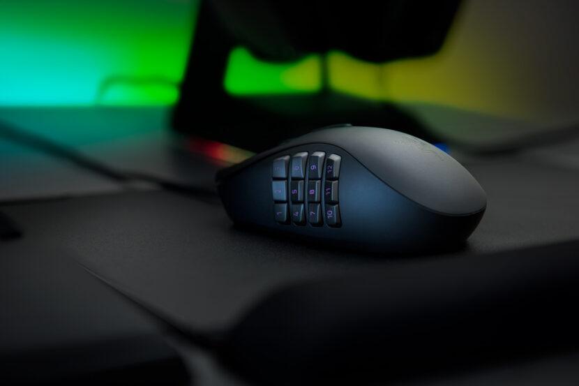 Мышка на столе