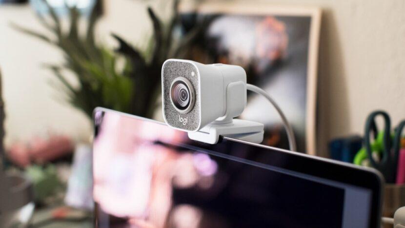 веб-камера Logitech StreamCam