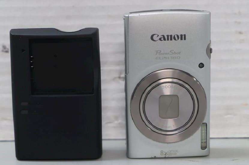 Серебряный Canon PowerShot Elph180
