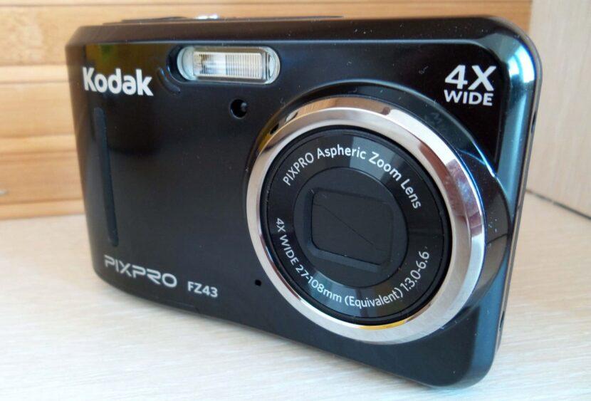 Черный Kodak PixPro FZ43