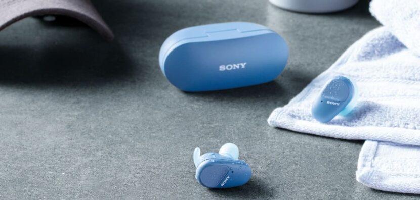 Sony WF-SP800N и зарядный чехол от них