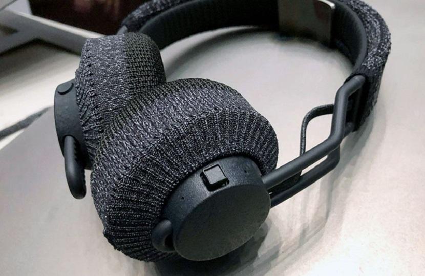 Adidas RPT-01 на столе