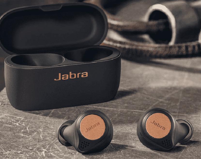 Jabra Elite Active 65t и чехол от них