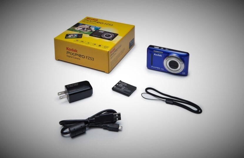 Распаковка Kodak PixPro FZ53