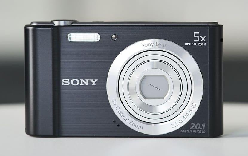 Черный Sony Cyber-Shot DSC-W800