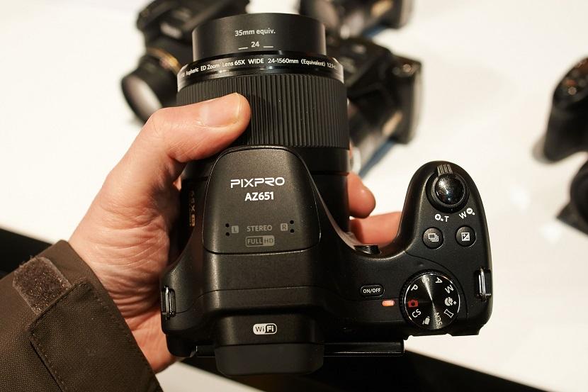 Верхняя сторона Kodak PixPro AZ421