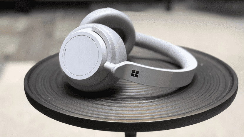 Белые Microsoft Surface Headphones