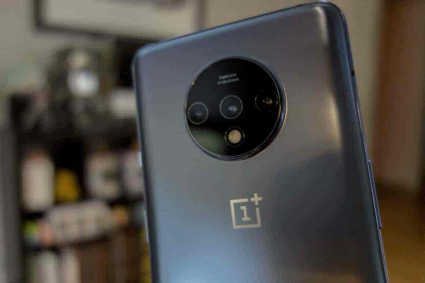 OnePlus 7T устройство
