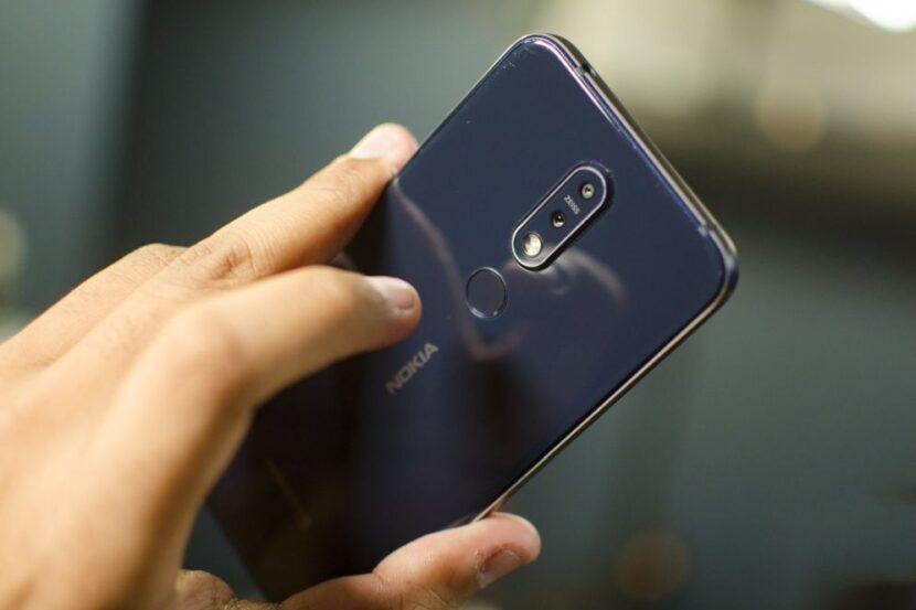 смартфон 2018 года